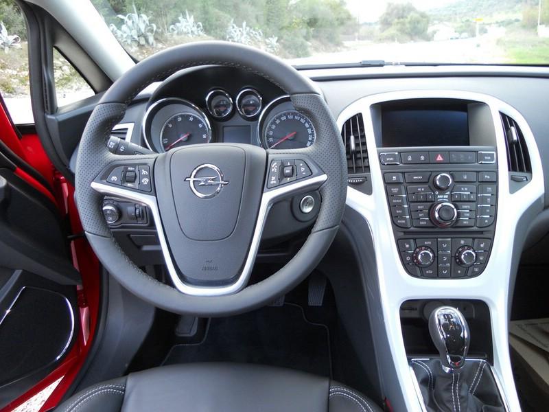 Opel Astra Bilder und Fotos - Fünftürer, GTC, OPC und Sports Tourer ...