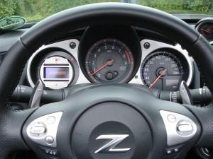 Tachometer des Nissan Roadster 370Z