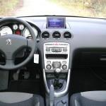Der Innenraum des Peugeot 308 Active VTI 1,6 - Hier das Armaturenbrett