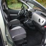 Peugeot Partner Tepee von der Beifahrerseite