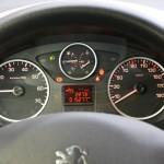 Das Tachometer des Peugeot Partner Tepee