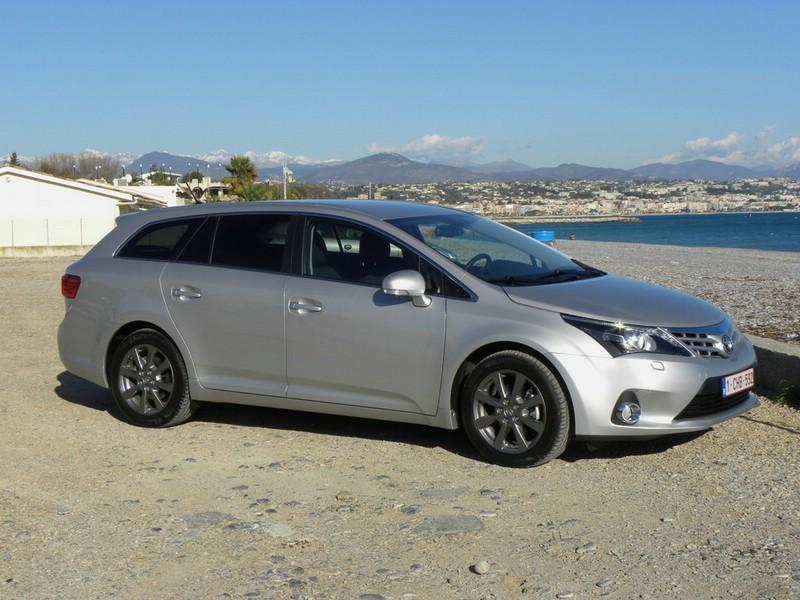 Toyota Avensis Kombi Modelljahr 2012