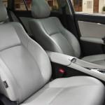 Toyota Avensis Fahrer und Beifahrersitze
