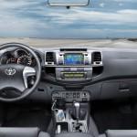 Toyota Hilux Cockpit, Mittelkonsole, Lenkrad