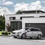 Volvo V60 Plug-in-Hybrid beim tanken