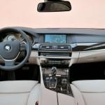 Das Armaturenbrett des neuen BMW Active Hybrid 5