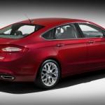 Ford Fusion in der Heck und Seitenansicht