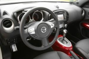 Das Armaturenbrett des Nissan Juke
