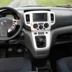 Das Cockpit des Nissan NV200 Evalia dci90
