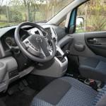 Der Innenraum des Testwagens Nissan NV200 Evalia dci90