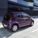 Der neue Peugeot 107 in der Seiten und Heckansicht