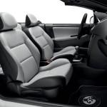 Der Innenraum des Sondermodells Peugeot 207 CC Roland Garros