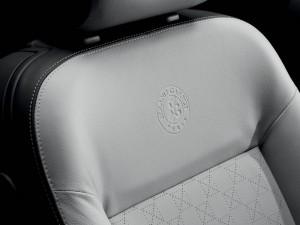 Der Peugeot 207 CC Roland Garros-Sitz mit RG-Prägung