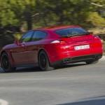 Der Porsche Panamera GTS in der Heckansicht