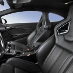 Der Innenraum und die Sitze des Opel Astra OPC