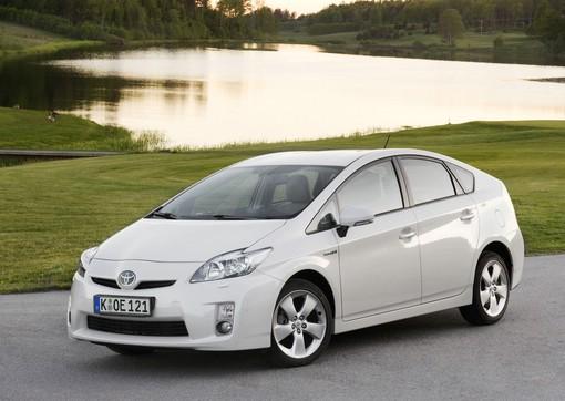 Toyota Prius in der Farbe Weiß