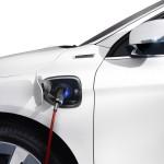 Volvo XC60 Plug-in-Hybrid Concept beim laden