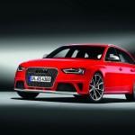 Der Audi RS 4 Avant Modelljahr 2012 steht auf 19 Zoll Reifen
