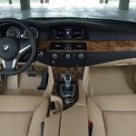 Das Armaturenbrett des BMW 5er Touring