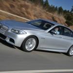 Der BMW M550d Performance xDrive in Silber in der Seitenansicht