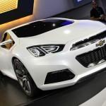 Chevrolets Konzeptfahrzeug 140S auf einer Automesse