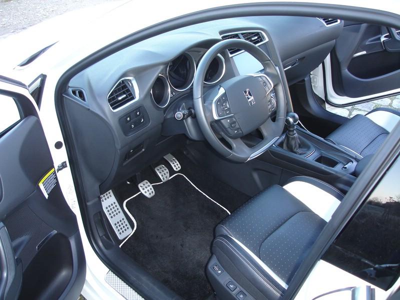 Die Fahrerseite des Citroen DS4