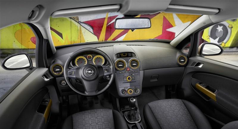 Der Innenraum des Opel Corsa in der Ausstattung Color Elegance