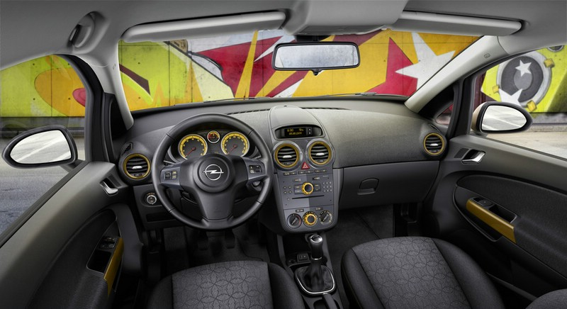 Galerie opel corsa color elegance innenraum bilder for Opel corsa e interieur