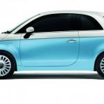 Fiat 500 ID in der Bossa Nova Weiß / Azzurro Volare Blau Lackierung