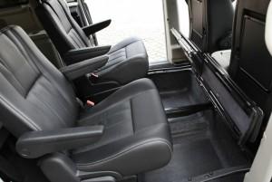Die Einzelsitze in der zweiten Reihe im Lancia Voyager 2.8 CRD