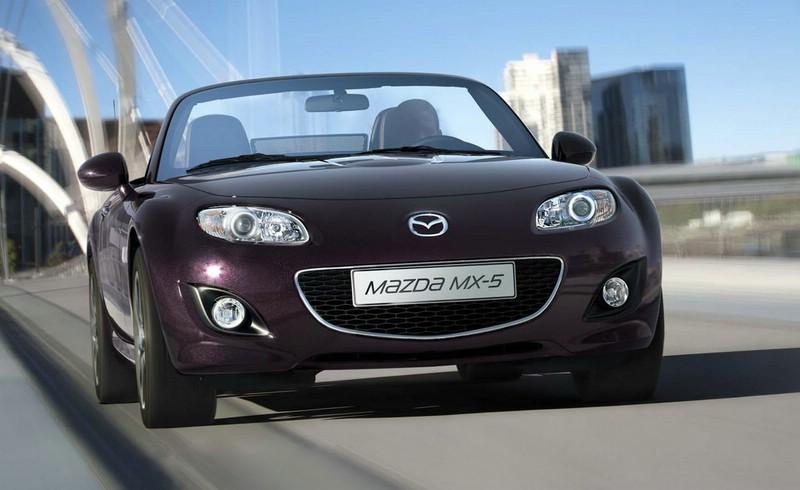 Das Mazda MX-5 Sondermodell in der Festivalschwarz Metallic Lackierung