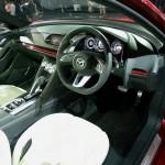 Das Cockpit des japanischen Konzeptfahrzeugs Mazda Takeri