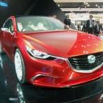 Der Mazda Takeri auf einer Automesse in der Frontansicht