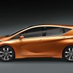 """Nissan Invitation - Die Seitenflanke des Concept Cars wird von einer Charakterlinie geprägt, die intern als """"Squash Linie"""""""