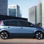 Der Minivan Nissan Note in der Seitenansicht