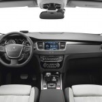 Das Armaturenbrett des Peugeot 508 RXH