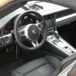 Das Cockpit des Porsche 911 Carrera Cabrio