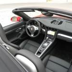 Der Innenraum des 2012-er Porsche Carrera Cabrio