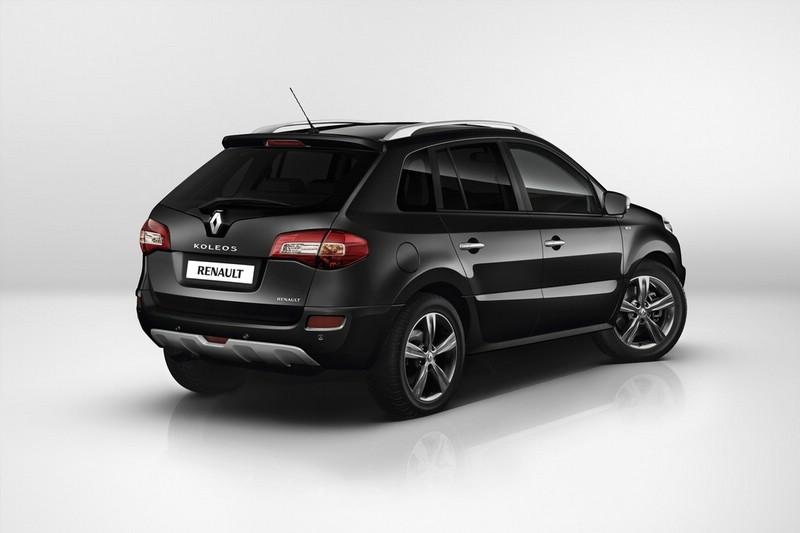 Der neue Renault Koleos Bose Edition in der Heckansicht in der Farbe Schwarz