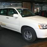 Das Brennstoffzellenfahrzeug Toyota FCHV-adv mit bis 750 Kilometer Reichweite