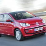 VW Up als Fünftürer in der Farbe Rot