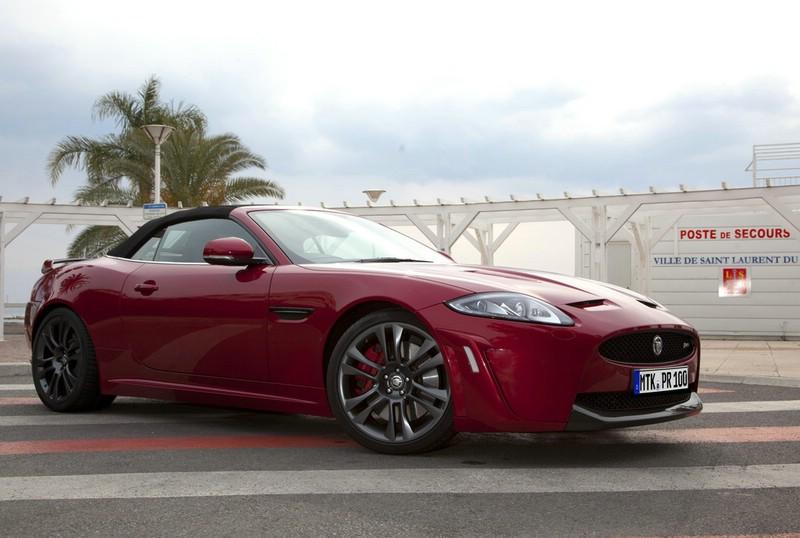 Das XKR-S Cabriolet von Jaguar in der Frontansicht