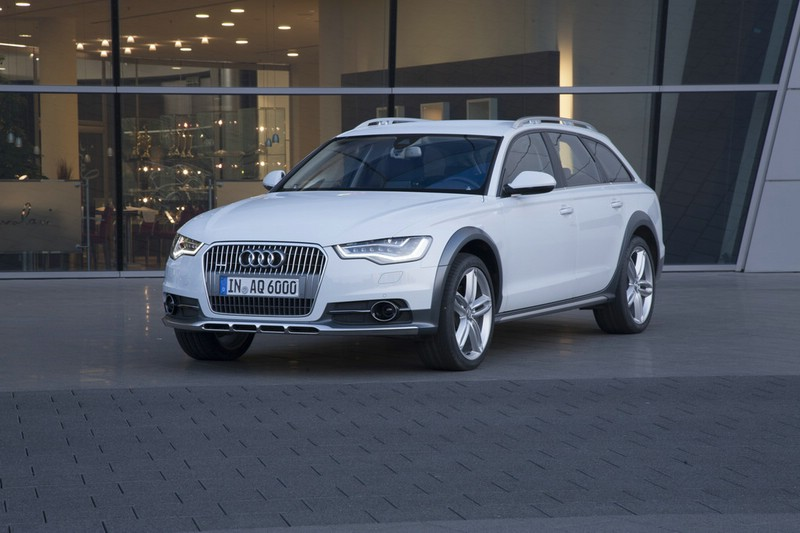 Die Frontpartie des Audi A6 Allroad Quattro 2012