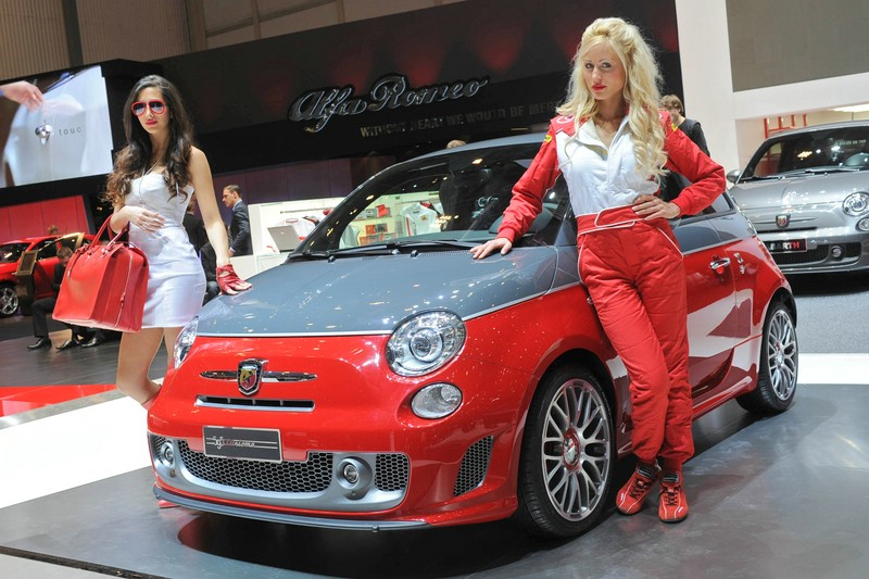 Abarth zeigt in Genf den 595 Turismo - Messegirl
