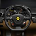 Das Cockpit des Ferrari F12 Berlinetta