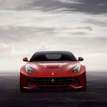 Der Supersportwagen Ferrari F12 Berlinetta in der Frontansicht