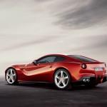 Der Ferrari F12 Berlinetta in der Seitenansicht