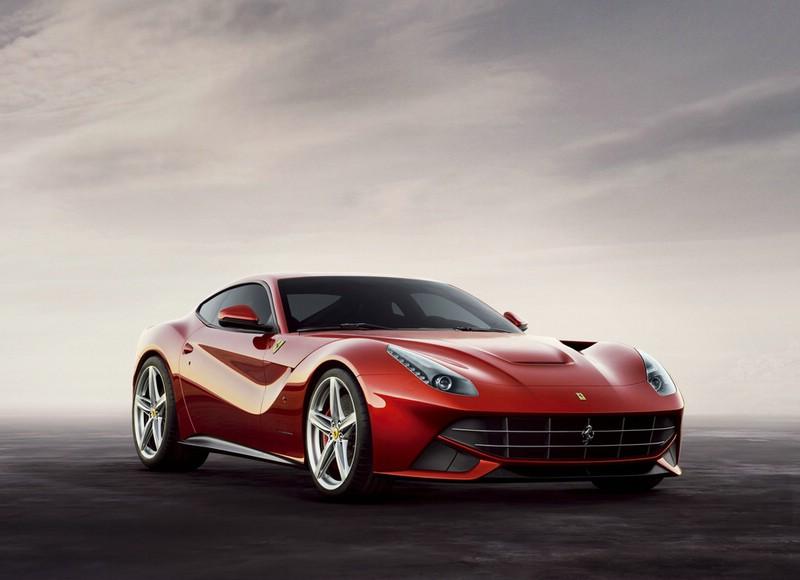 Der Ferrari F12 Berlinetta ist auf dem Genfer Autosalon 2012 zu sehen