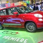 Der Fiat 500L in Genf in der Lackierung Rot