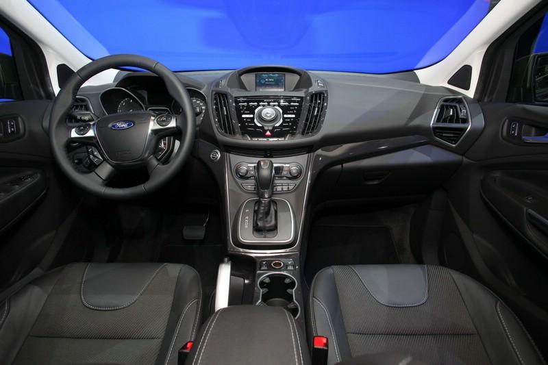 Der Innenraum des neuen Ford Kuga 2012